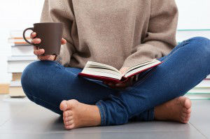 5 Reasons Sitting On The Floor Is Good For Your Health