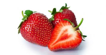 strawberries-can-whiten-teeth