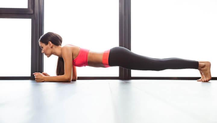 strong-yoga-plank