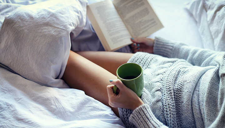Reading before bed can help prevent insomnia.