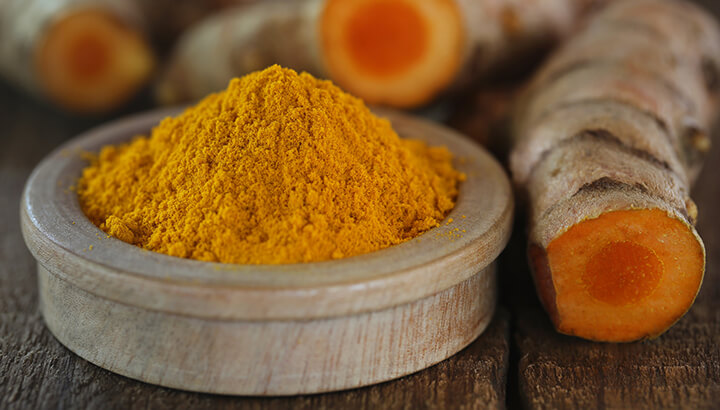 Turmeric added to protein-rich meals can help you burn body fat.